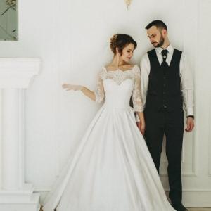 Прическа для невесты сввадебная минск выезд